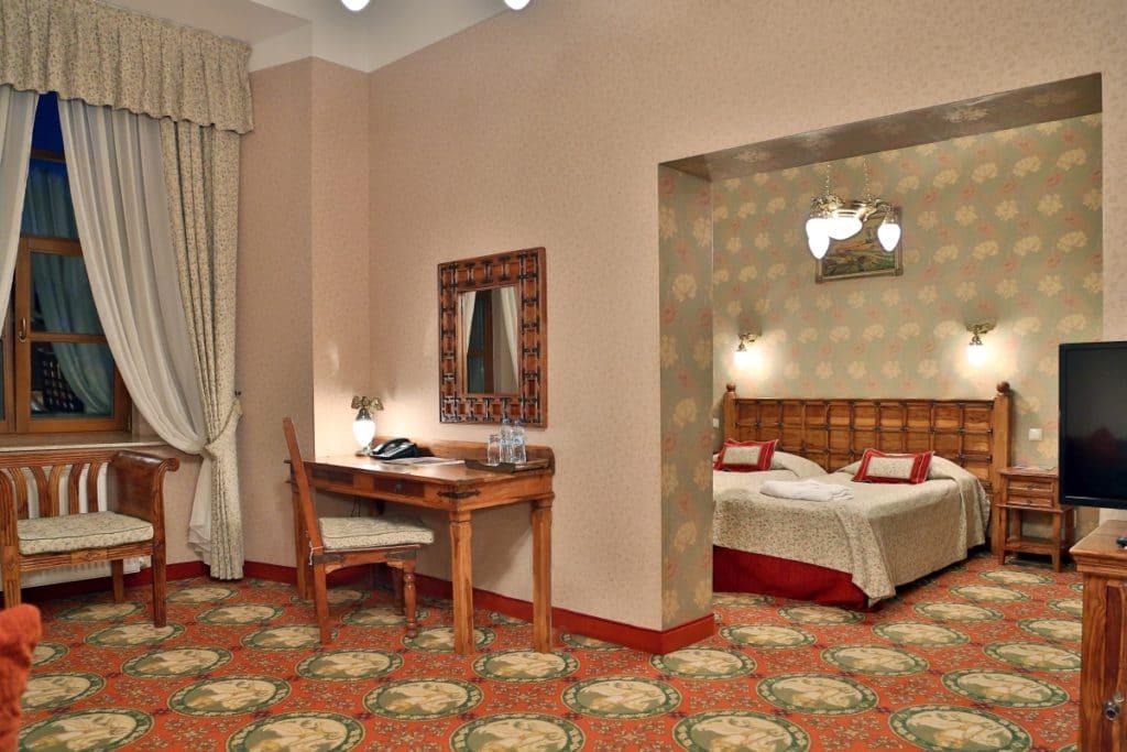 pokój hotelowy Ryn